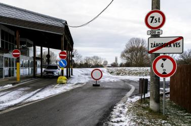 Péntektől kötelező online regisztrációval lehet csak belépni Ausztriába