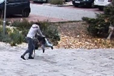 Megütötte, majd földhöz vágta négyéves gyermekét egy nő Losoncon