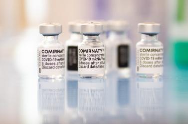 Teljes jóváhagyást kapott a Pfizer-BioNTech vakcina az Egyesült Államokban